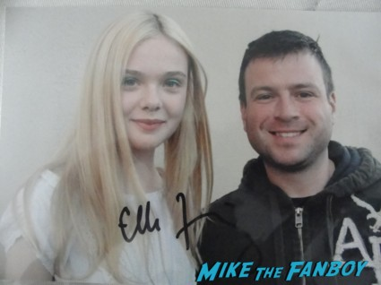 Billy with elle fanning elle fanning signed autograph photo Elle Fanning signing autographs for fans we bought a zoo sexy star rare promo super 8 fanning sisters