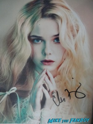 elle fanning signed autograph photo rare promo  Elle Fanning signing autographs for fans we bought a zoo sexy star rare promo super 8 fanning sisters