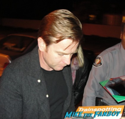 Ewan Mcgregor signing autographs for fans rare promo hot sexy moulin rouge promo photo trainspotting the impossible