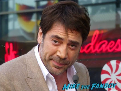 javier bardem signing autographs for fans at Javier Bardem walk of fame star on hollywood blvd rare promo vicky christina barcelona