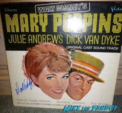 dick van dyke signed autograph mary poppins record lp Dick Van Dyke signing autographs for fans at the comic q and a The Comic q and a with dick van dyke carl reiner michele lee at the beverly cinema in los angeles