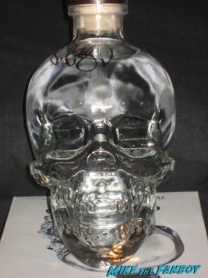 Dan Aykroyd signed autograph crystal head vodka bottle signing autographs for fans at his crystal head vodka autograph signing rare promo hot
