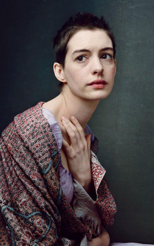 Annie Leibovitz les miserables photo shoot vogue magazine december 2012 anne hathaway hugh jackman amanda seyfried russell crowe