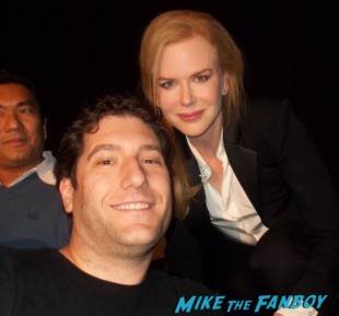 Mike the fanboy and nicole kidman posing for a fan photo rare promo the paperboy q and a rare
