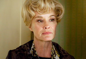 nasty jessica lange from american horror story rude to fans and not nice