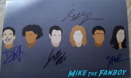 community signed autograph cast photo rare promo Alison Brie and Gillian Jacobs, along with Joel McHale, Danny Pudi, and Yvette Brown signed autograph rare promo