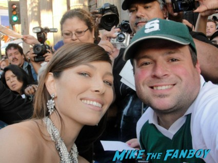 Jessica Beil signing autographs for fans at the total recall movie premiere rare