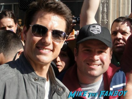 tom cruise signing autographs for fans at the rock of ages movie premiere in hollywood rare promo hot sexy risky business star