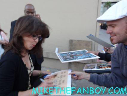 sally field signing autographs for fans rare promo hot sexy mad men paleyfest rare promo
