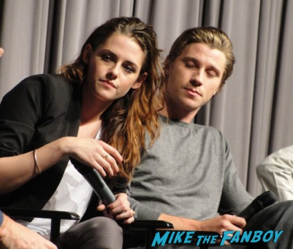 kristen stewart garrett hedlund q and a for on the road rare promo signing autographs for fans