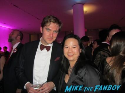 Dan Stevens fan photo signing autographs for fans at the new york premiere of les miserables rare