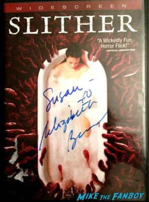 Elizabeth Banks signed autograph dvd photo signature slither dvd hunger games rare promo
