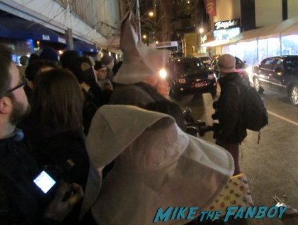 Gandalf hats passed out to the crowd at the hobbit world premiere in new york city rare signed autogaph