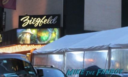 the hobbit movie premiere at the ziegfeld theater in new york city rare promo signing autographs for fans