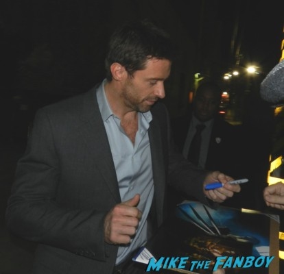 Sexy hugh jackman signing autographs for fans rare promo wolverine x men star real steel hot sexy photo shoot rare promo
