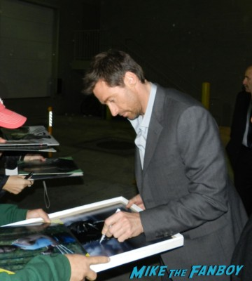 Sexy hugh jackman Signing autographs for fans wolverine  rare promo hot sexy model sexy photo shoot rare promo