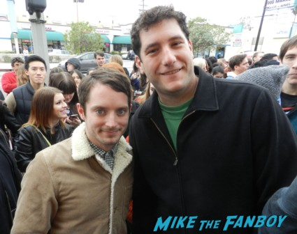 elijah wood fan photo with mike the fanboy rare promo signing autographs hugo's tacos lord of the rings wilfred star the faculty