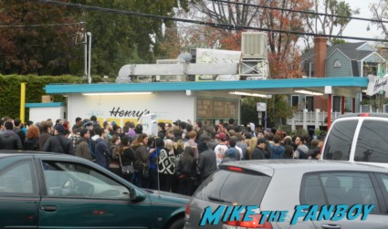Henry's Tacos in studio City CA elijah wood signing autographs for fans with breaking bad star aaron paul elijah wood signing autographs hugo's tacos 016