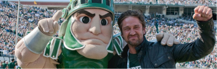 gerard butler with the michigan state spartan rare promo photo hot sexy 300 star the ugly truth