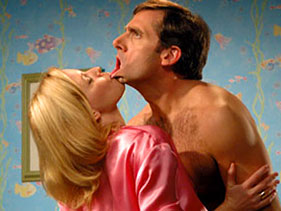 elizabeth Banks and steve carrell naked shirtless in the 40 year old virgin rare promo hot sexy press still