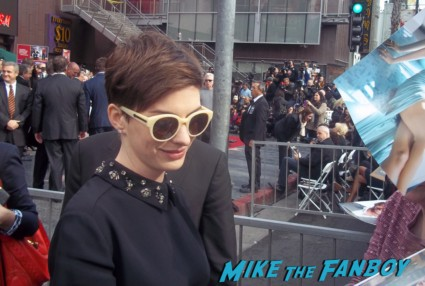 Anne Hathaway Signing autographs at hugh jackmans walk of fame star ceremony in  hollywood rare promo