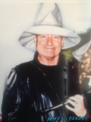erry O'Quinn in a Gandalf hat posing inside the hobbit movie premiere after party rare promo