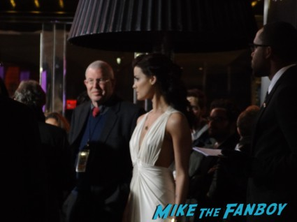 jaimie alexander signing autographs for fans at the last stand movie premiere red carpet Arnold Schwarzenegger jamie alexander rare promo red carpet photo
