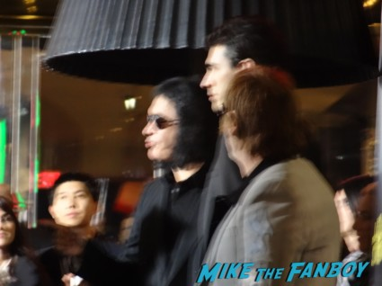 gene simmons signing autographs for fans at the last stand movie premiere red carpet Arnold Schwarzenegger jamie alexander rare promo red carpet photo