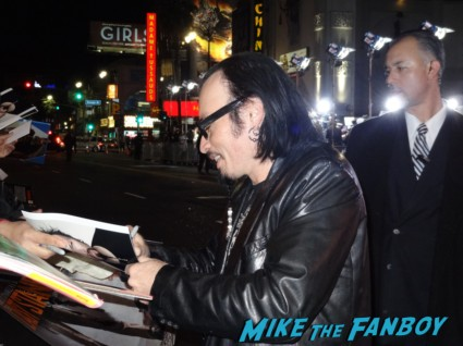 billy blair signed autograph photo rare photo shoot gene simmons signing autographs for fans at the last stand movie premiere red carpet Arnold Schwarzenegger jamie alexander rare promo red carpet photo