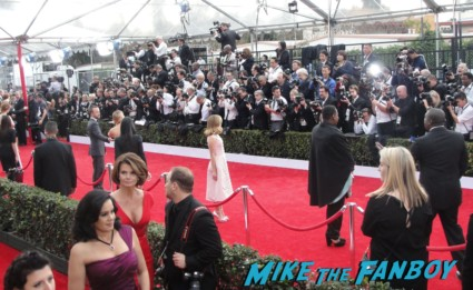 aaron paul on the red carpet at the 2013 sag awards red carpet bleacher seats rare promo breaking bad