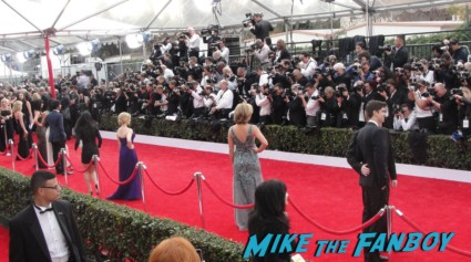 the sag awards 2013 red carpet with melissa rauch big bang theory cast and more