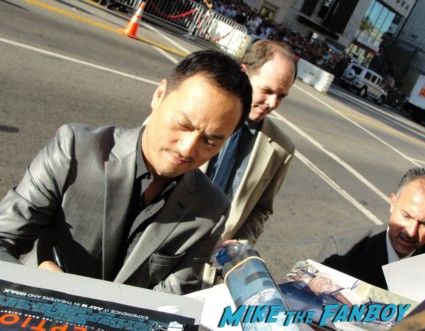 Ken Watanabe signing autographs at te inception movie premiere with tom hardy leonardo dicaprio ellen page joseph gordon levitt rare promo red carpet promo