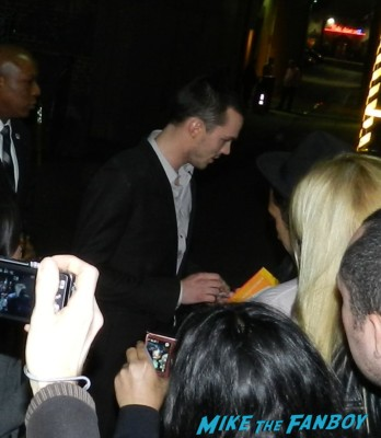 Nicholas Hoult signing autographs for fans hot sexy warm bodies star rare promo sexy hot rare x men first class star fine