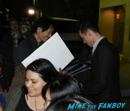 sexy Nicholas Hoult signing autographs for fans hot sexy warm bodies star rare promo sexy hot rare x men first class star fine