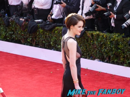 Michelle Dockery SAG Awards red carpet downton abbey star hot sexy rare SAG Awards red carpet bleacher seats signing autographs for fans rare hugh jackman nicole kidman rare