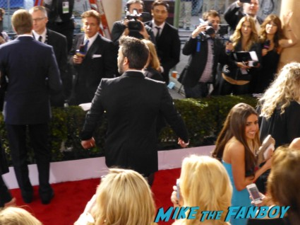 ben affleck on the red carpet at the 19th annual sag awards rare hot sexy promo jessica chastain signing autographs for fans at the sag awards red carpet 19th annual sag awards signed autograph zero dark thirty