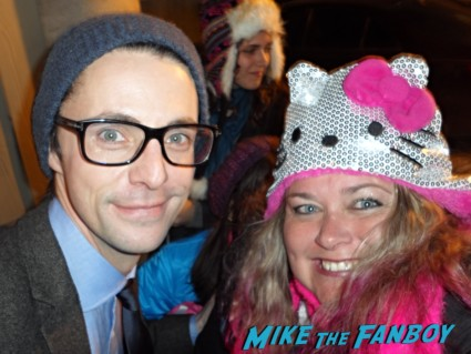 Matthew Goode fan photo signing autographs for fans rare promo hot watchmen star