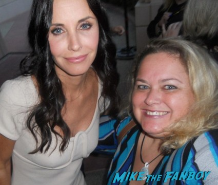 courteney cox fan photo rare promo signing autographs for fans rare promo julies cobb cougar town rare tbs