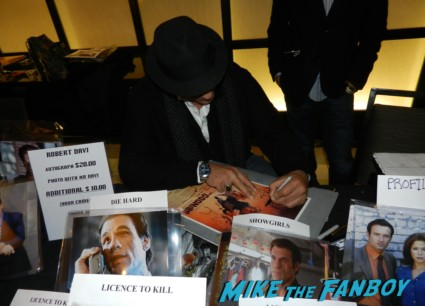 robert davi signing autographs for fans rare the goonies star rare promo hot fratelli brothers
