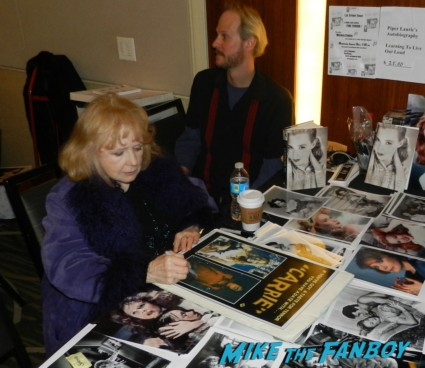 piper laurie signing autographs for fans carrie margaret white now 2013 promo mini movie poster twin peaks