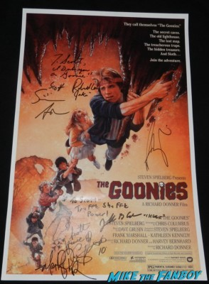the goonies mini movie poster signed autograph sean astin josh brolin robert davi signing autographs for fans rare the goonies star rare promo hot fratelli brothers