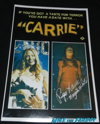 piper laurie signed autograph carrie mini movie poster margaret white rare piper laurie fan photo 2013 mike the fanboy piper laurie signing autographs for fans carrie margaret white now 2013 promo mini movie poster twin peaks