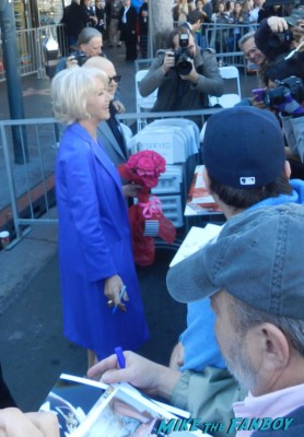 helen mirren signing autographs for fans at her walk of fame star ceremony signed autograph rare promo hollywood signing autograph walk of fame star ceremony 001