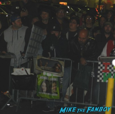 fans waiting at the barricade for no doubt signing autographs at jimmy kimmel live 001