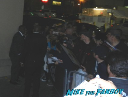 tony kanal from no doubt signing autographs for fans after an outdoor concert no doubt signing autographs at jimmy kimmel live 010