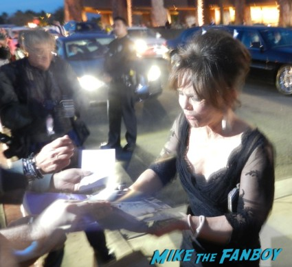 sally field signing autographs at the palm springs film festival 2013 signing autographs diane lane 031
