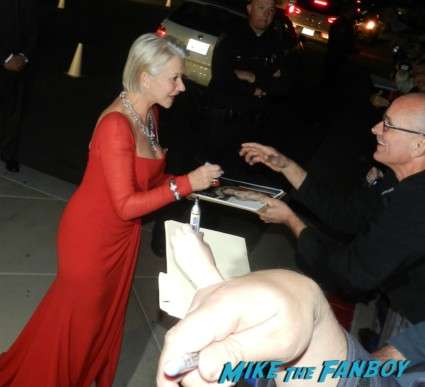 helen mirren signing autographs at the palm springs film festival 2013 signing autographs diane lane 031