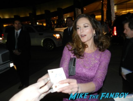 sexy diane lane signing autographs at the palm springs film festival 2013 signing autographs diane lane 031