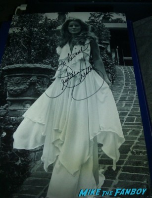 priscilla presley signed photo autograph signature rare Priscilla Presley fan photo rare signing autographs for fans rare london signed photo rare promo meeting fans hot rare naked gun star
