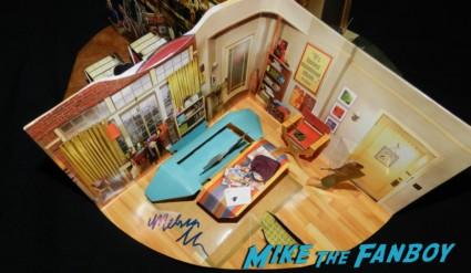 big bang theory emmy award pop up diorama  promo signed autograph cast simon helberg johnny galecki kunal nayyar melissa rauch